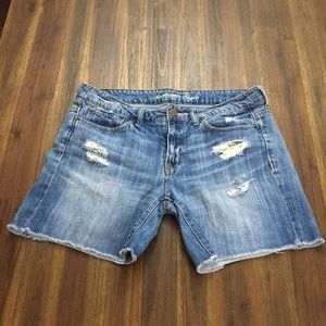 American Eagle bermuda cut-off jean shorts